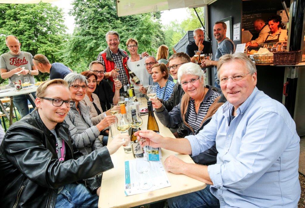 Sechstes Stadtparkfest mit Top-Winzern