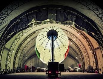 Drive-in-Testzentrum im Luftschiffhangar bietet neuartigen COVID-19 Schnelltest