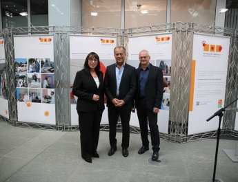 Düsseldorf: Ausstellung über Hilfsprojekte der Afghanischen Kinderhilfe Deutschland